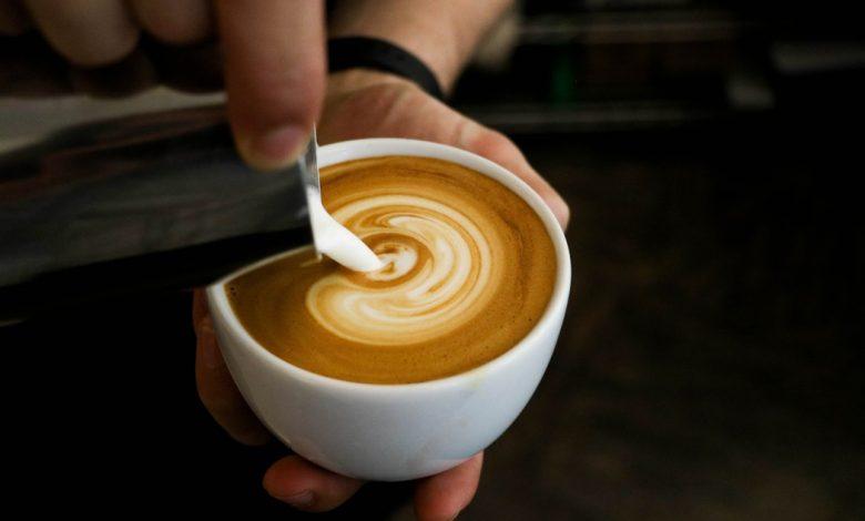 mlieko do kávy - ilustračná fotografia