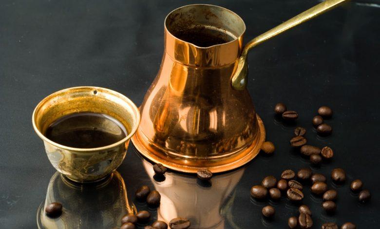 Turecká káva, džezva a šálka
