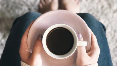 Photo of Môže pitie kávy spôsobiť nepríjemný telesný pach?