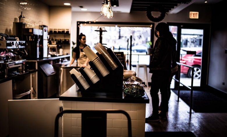 Najsilnejšia káva na svete: Asskicker (muž objednávajúci si v kaviarni)