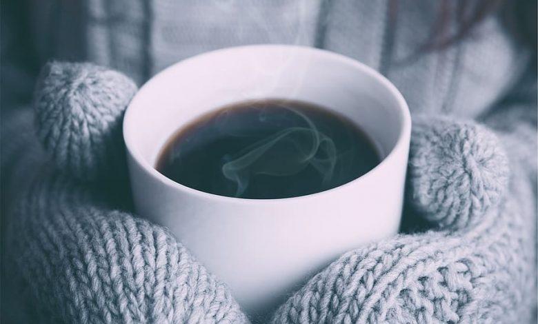Aká teplá sa má podávať káva