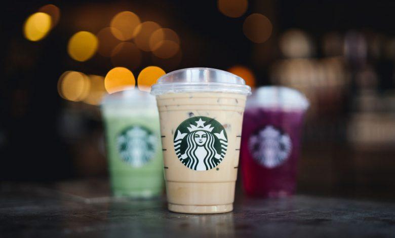 Jednorazové poháre od spoločnosti Starbucks