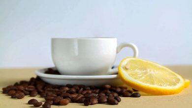 Photo of Má káva s citrónom magickú moc?