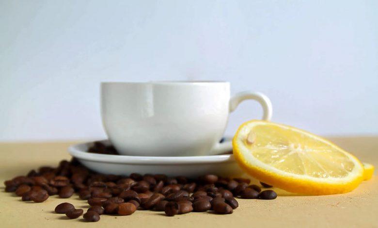 Káva s citrónom a zdravotné výhody