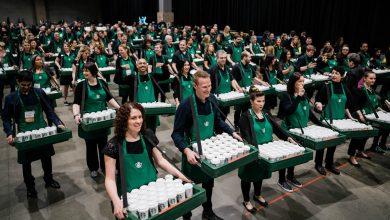 Photo of Starbucks rozdal v USA a Kanade už milión káv zdarma, akcia pokračuje do konca mája