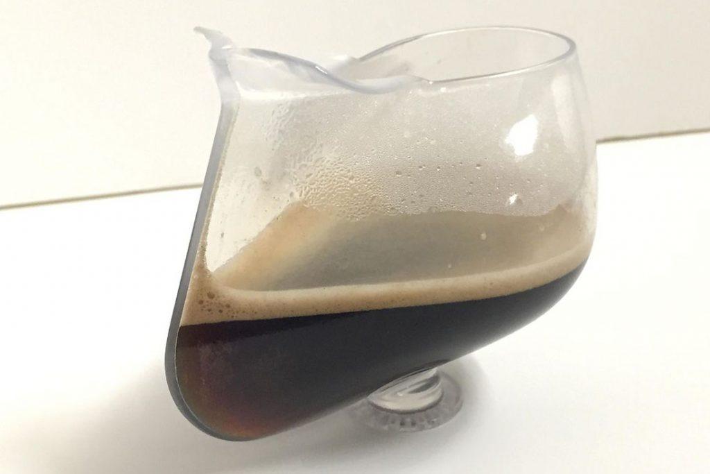 ZERO-G pohár, z ktorého sa dá piť aj vo vesmíre