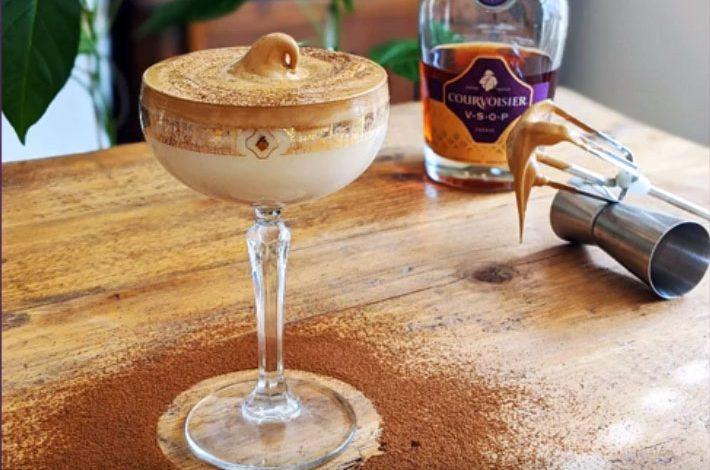 káva Dalgona, verzia Courvoisier Martini