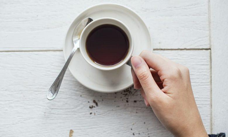 Ako dlho telo odbúrava a vyplavuje kofeín?