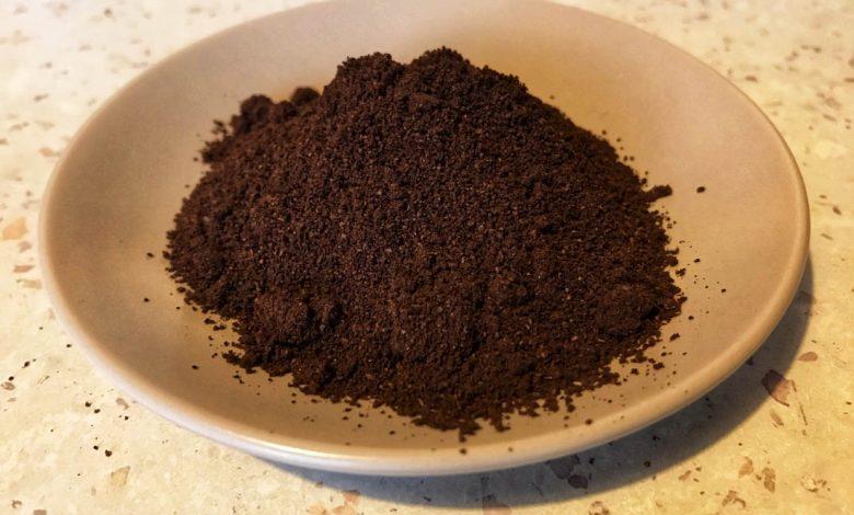 Bežná káva ako pohlcovač pachu v chladničke