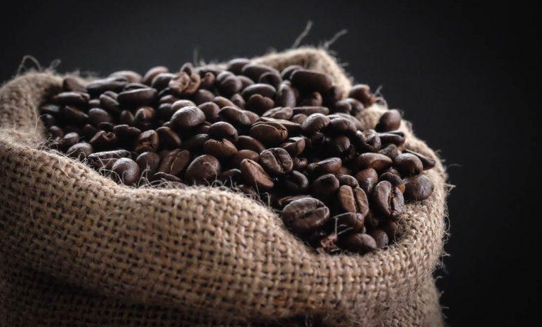 praženie a množstvo kofeínu v káve