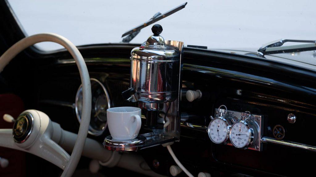 Kávovar do auta