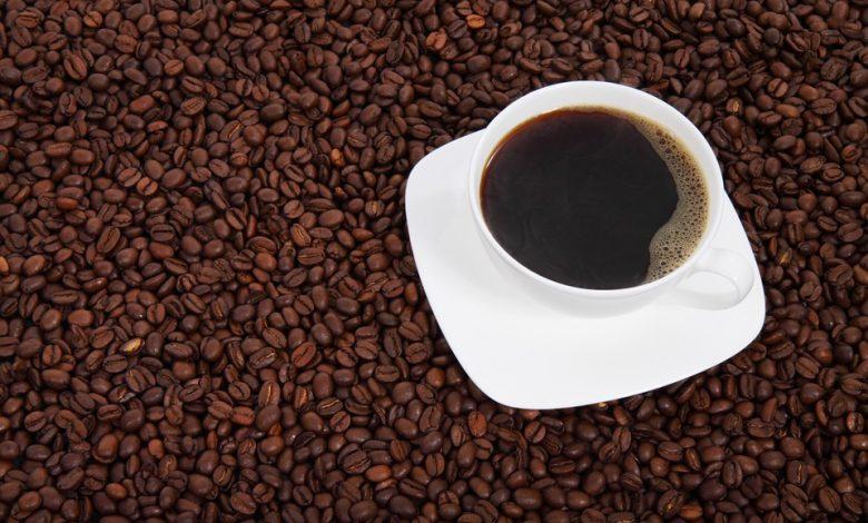 bezkofeínová káva a dichlórmetán