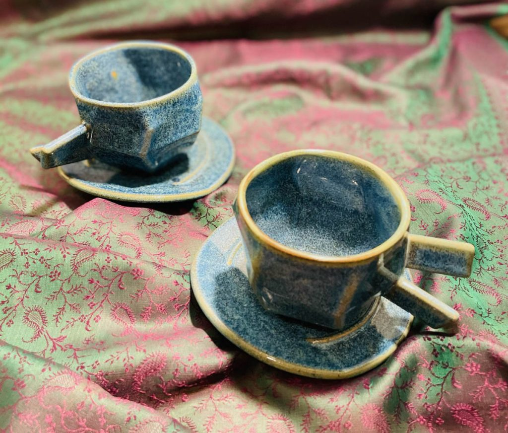 šálky na kávu, úžitková keramika