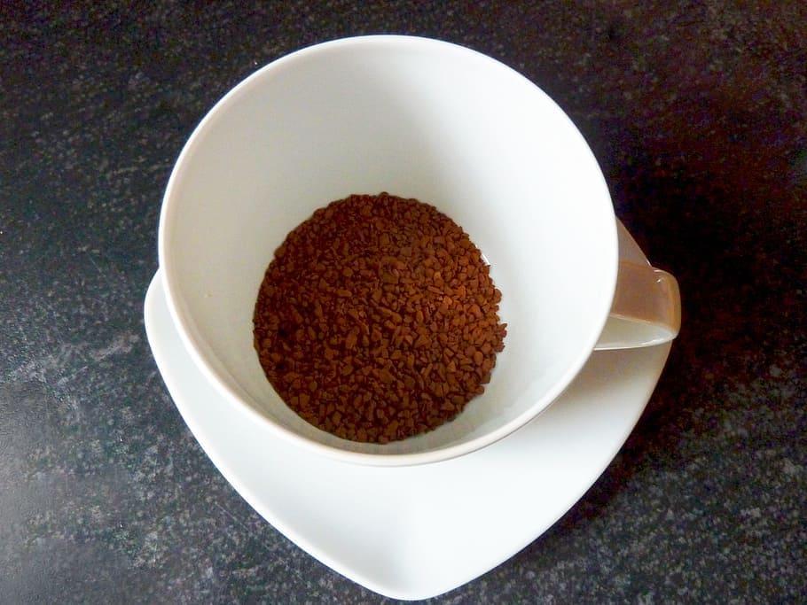 instantná káva v šálke