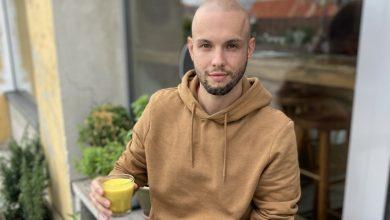 Photo of Farebné latté: Epilepsia priviedla baristu k skvelému nápadu